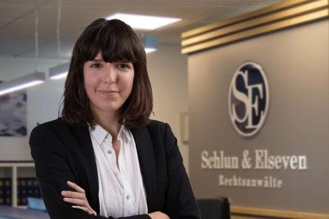 Rechtsanwältin Corinna Ujkasevic